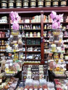 easter shop 3